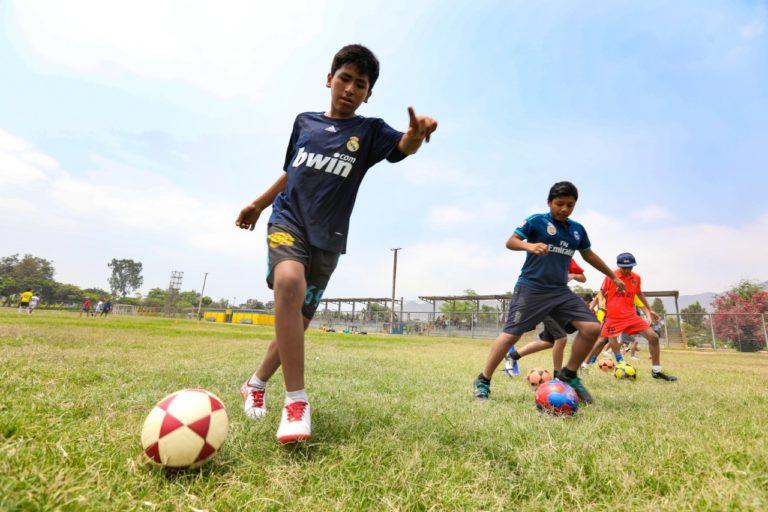 MML ofrece novedosos talleres culturales y deportivos en clubes zonales y parques metropolitanos