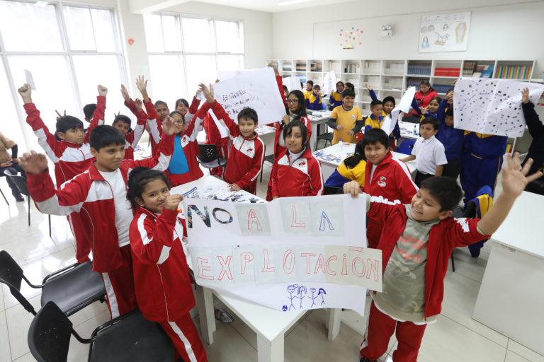 """Escolares visitaron Club Zonal Cahuide y dijeron """"¡No al trabajo infantil!"""""""