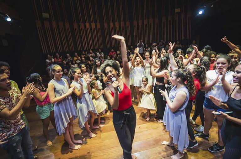Clases gratuitas de danzas afroperuanas en parque La Muralla