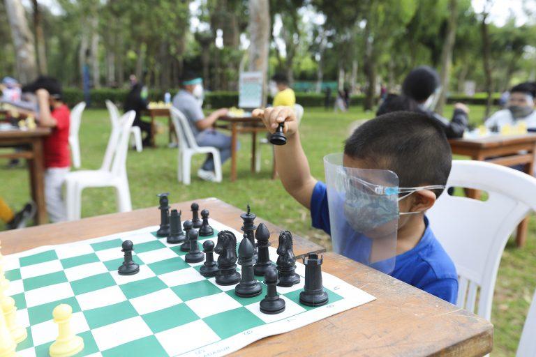Regresan las escuelas presenciales en los clubes zonales y parques metropolitanos
